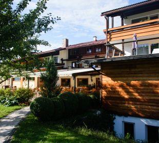 Außenansicht Alm- & Wellnesshotel Alpenhof