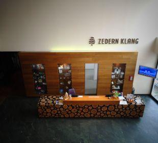 Retzeption sehr freundliches Personal Spa Hotel Zedern Klang
