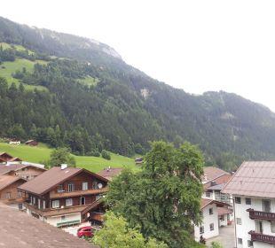 Ausblick nach links vom Balkon Olympia Relax Hotel Leonhard Stock