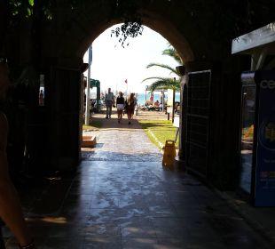 Durchgang zum Strand Belek Beach Resort Hotel