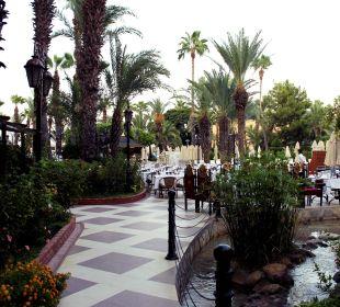 Teil des Außenbereichs des Restaurants Hotel Aqua