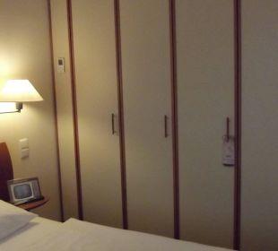 Großer Keiderschrank Globana Airport Hotel