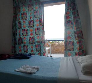 Schönes freundliches Zimmer im 1. Stock. Hotel Utopia Beach Club