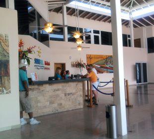 Lobby Hotel Isla Caribe Beach