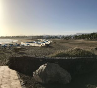 Schöner dunkler Sandstrand Hotel Hipotels La Geria