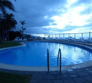 Pool über der Stadt Hotel Tigaiga