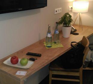 Frisches Obst, zwei Mal Wasser inklusive Hotel FIVE