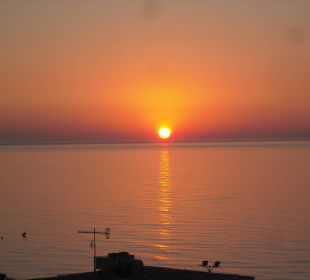 Phantastischer Sonnenaufgang SENTIDO Playa del Moro