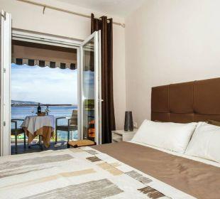 Schlafzimmer mit traumhaftem Ausblick Pension Villa Baroni