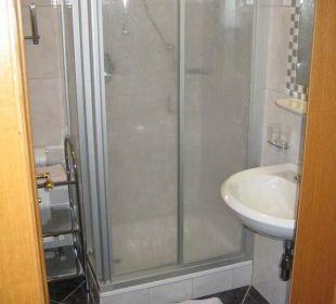Bad mit Dusche Hotel Idhof