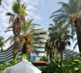 Hotel von unseren Liegen am großen Pool Hotel Concorde De Luxe Resort