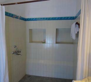 Bad/Dusche 1. Zimmer