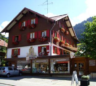 Haus im Sommer Gästehaus Brugger