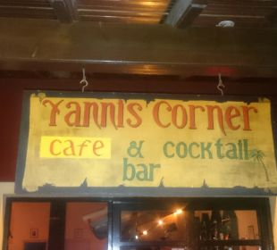 Eingang Yannis Bar Hotel Corfu Pelagos