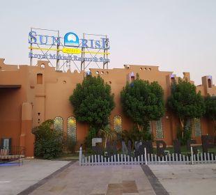 Eingang SUNRISE Select Royal Makadi Resort