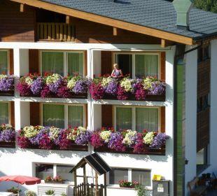 Ansicht der Hotelzimmer zum Garten Hotel Silbertal