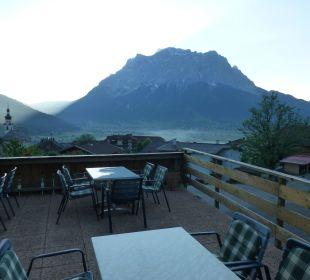Terrasse des Hotels mit umwerfendem Panorama Hotel Rustika