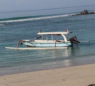 Strand mit Boot Nusa Indah Bungalows & Villa