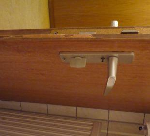 Ramponierte Tür Ruchti's Hotel & Restaurant
