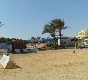 Strandvolleyballfeld zur Poolbar