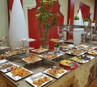 Lecker Kuchenbuffet SUNRISE Select Royal Makadi Resort