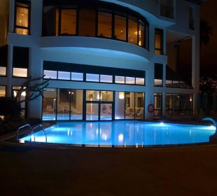 Abendstimmung am oberen Pool Hotel The Cliff Bay (PortoBay)
