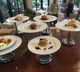 Präsentation der Hauptgerichte  IBEROSTAR Grand Hotel El Mirador
