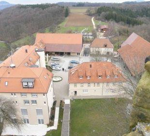 Blick auf die Hotelanlage vom Burgturm Burghotel Staufeneck