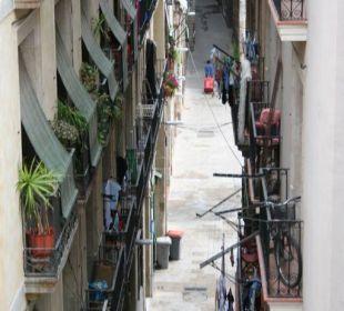Blick in  eine Seitengasse der Calle Princesa Hotel Ciutat de Barcelona