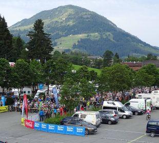 Blick vom Balkon, über 1000 Teilnehmer beim Biken. Hotel Klausen