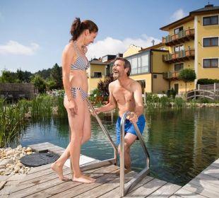 Wellnessgarten - Schwimmteich Wellnesshotel Reischlhof