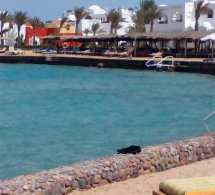 Strandblick auf Hotelanlage