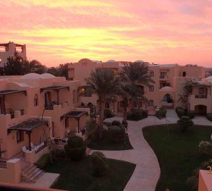 Innenhof am Morgen Hotel Steigenberger Coraya Beach