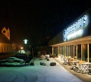 Bei Nacht Hubertus Alpin Lodge & Spa