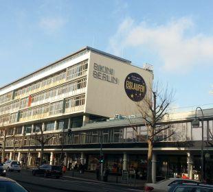 Gegenüber Hotel Palace Berlin