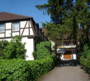 Einfahrt zum Innenhof Hotel Schloss Döttingen