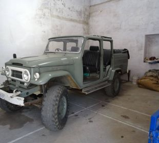 Jeep, für Safari angeboten vom Hotel
