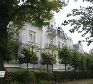 Seitenansicht des Haupthauses Vier Jahreszeiten Kühlungsborn -  Hotel