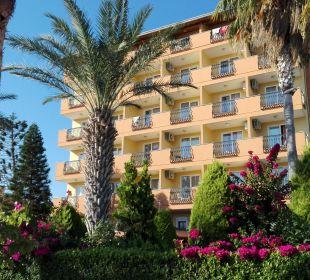 Hauptgebäude Hotel Arabella World
