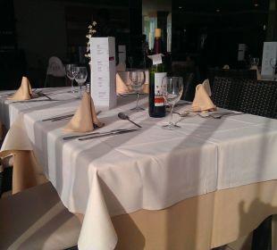 Eingedeckter Tisch im Restaurant   Hotel JS Alcudi Mar