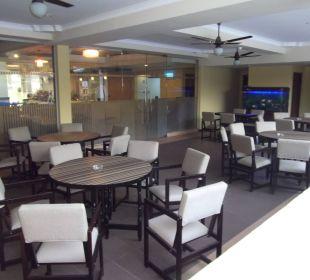 Freisitz und Restaurant Hotel Ramada Katunayake Colombo International Airport