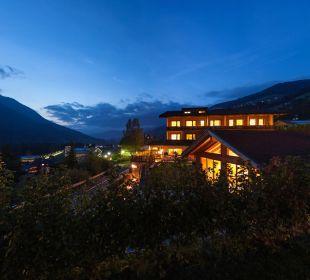 By night Biovita Hotel Alpi