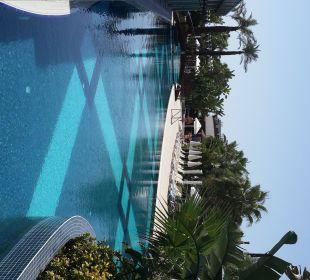 Poolanlage als Kanalsystem fasziniert Sunis Hotel Evren Beach Resort & Spa