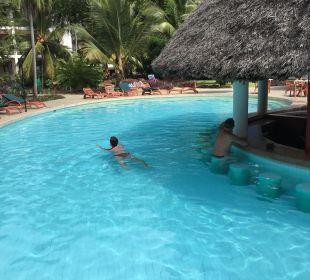 Pool Hotel Traveller's Club