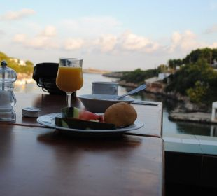Frühstück mit Blick aufs Meer Hotel Poseidon Bahia