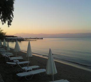Abendliche Ruhe am Hotel-Strand Hotel Robolla Beach