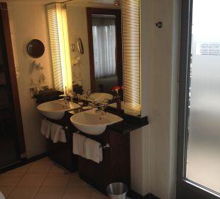 Juniorsuite Badezimmer Sheraton Carlton Hotel Nürnberg