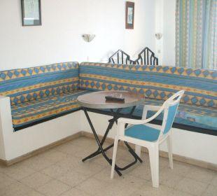 Zum sitzen  und  essen Hotel Sousse Residence