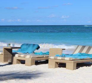 Die bequemen Liegen VIK Hotel Cayena Beach Club