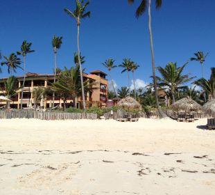 Hotel vom Strand aus gesehen VIK Hotel Cayena Beach Club
